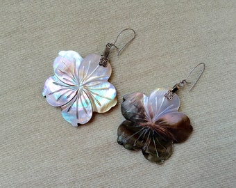 Shell Flower Earrings -- 602