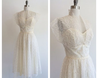 Vintage Bridal 1950's Ivory Embroiderd mesh / tulle tea length wedding dress