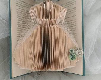 handfolded wedding, prom dress
