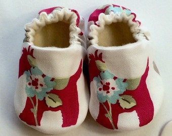Soft sole scottie dog baby shoes, crib shoes, slip on shoe. New Baby gift. Baby girls cotton slip on shoe, cloth shoe.