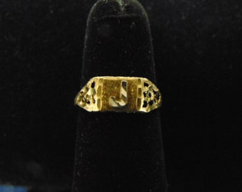 """Attractive Womens Vintage Estate 10K Yellow Gold """"J"""" Ring 1.3g E2341"""