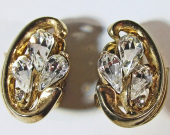 Vintage - Collectible - Trifari Rhinestone Earrings - Jewelry - Gold - Rhinestones - Earrings - Flawless - Sparkling - Elegant - Women's