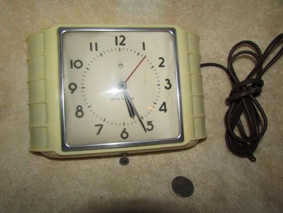 Vintage Seth Thomas Art Deco Kitchen Electric Wall Clock
