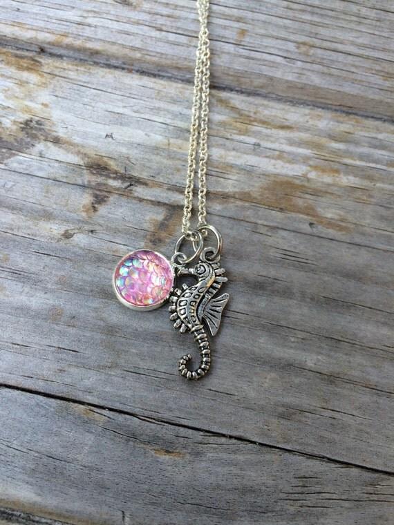 Caballito de mar sirena escala collar collar de encanto