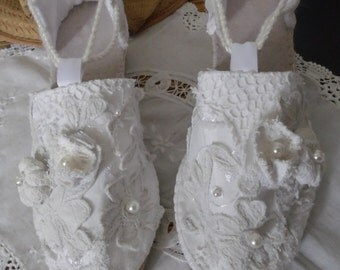 Lace and linen white espadrilles