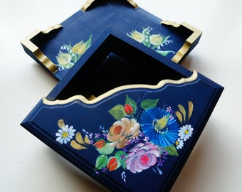 Hand painted/acrylic painting/home decor/wooden napkin holder---Vintage tulips holland folk art style
