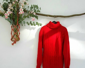 Vintage hand-knitted Wool Sweater. free shipping in Europe.