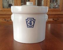 Pfaltzgraff YORKTOWNE Keystone #4 Large Flour Canister / Lidded Jar Tab Handles
