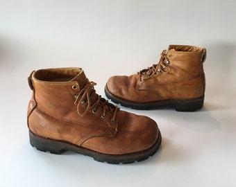 Vintage Cognac leather moc toe work boots sherpa lining Vibram sole size 8.5