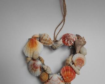 Hanging shell hearts