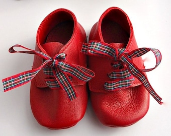 Soft leather baby booties - Red crib shoes - soft soled leather baby shoes - christmas gift - baby shower gift - pre walker shoes