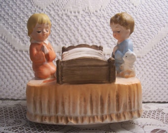 Musical Rotating Boy and Girl at Bedtime Saying Their Prayers Figurine, Japan