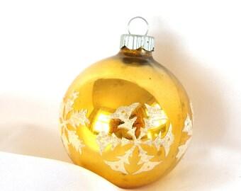 Vintage Shiny Brite Christmas Ornament, Venetian Dew Snowflakes on Gold Ornament