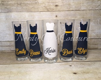 Wedding Glasses, Personalized Bachelorette/Bridesmaid Shot Glasses, Wedding Party Glasses (1)