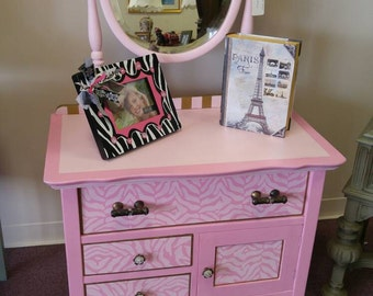 SOLD **Shabby Chic Vintage / Antiques Pink Dresser ***SOLD***