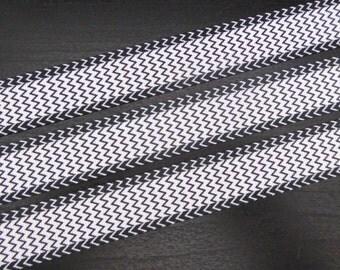 7/8 inch Grosgrain Ribbon - Black and White Zig Zag - 5 metres