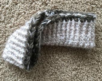 Crocheted earmuffs headband