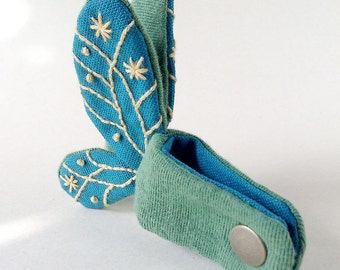 Needlecraft Butterfly Cord/Cable Organizer - Turqoise-Blue Canvas & Pale Yellow Line
