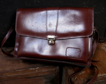 Brown Leather Bag - Vintage Satchel - Made In Ireland - Leather Messenger - Cross Body Bag - Leather Satchel - School Satchel - Leather Bag