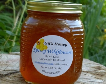 Raw wildflower honey, unheated, unfiltered, raw honey. 2.5 lb jar.  Spring honey - from the Finger Lakes NY