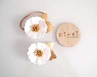 White KIREI BLOOM single flower headband or clip - Classic collection/ whimsical/ felt flower headband/ photo prop
