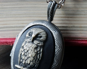 Cameo Locket Necklace. Black Owl jewelry locket, Victorian Vintage Inspired jewellery