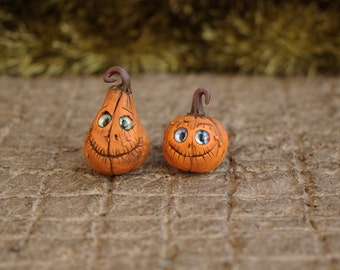 Halloween. Miniature pumpkin. Dollhouse witches . Pumpkin Eye for witch house.