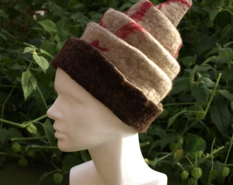 Beige and brown foldable felt hat