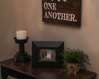 Love One Another Sign {LOA16X16}