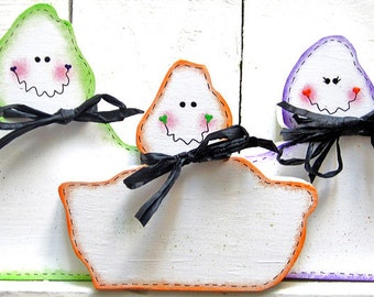 Ghosts Set of 3 Halloween Decor Ghost Decor Halloween Decoration Ghost Wood Tabletop Decor Mantle Decor Halloween Ghosts Painted Wood Fall