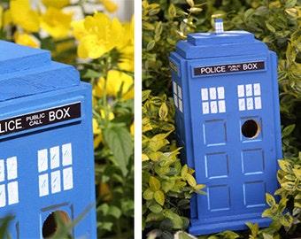 NIRDHOUSE: British Police Box Bird House
