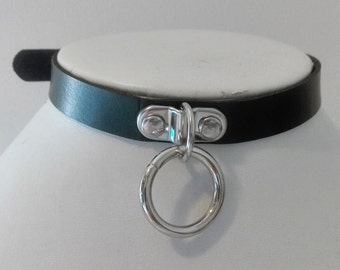 D-ring leather choker