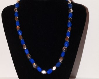 Vintage 925 Sterling Silver Necklace Made of night-blue-lapis-lazuli & Sterling octagonal Beads.