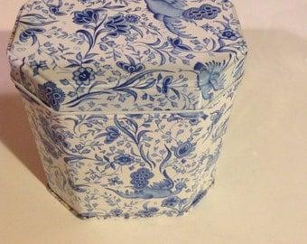 Vintage Elite Tin in Blue and White