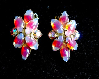 Juliana Givre Glass Marquis and Aurora Borealis Rhinestone Clip Back Vintage Earrings - Shades of Pink