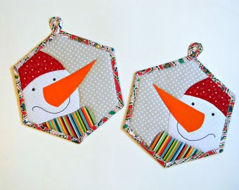 Christmas Snowman Pot Holders Set of 2 Hexagon Insulated Kitchenware Winter Holiday Red White Orange Pot Holders Snowman Applique OOAK