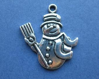 10 Snowman Charms - Snowman Pendants - Snowman - Winter Charm - Silver Tone - 29mm x 26mm -- (No.89-10016)