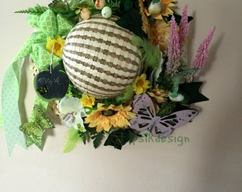 Straw Hat w Sunflowers, Wall Decor, Table Decor, Table Centerpiece, Flower Wreath, Summer Party Decor, Mothers Day Wreath, Home Decor