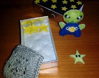 Alien Matchbox Ooak (free shipping)