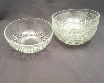 Set of 4 Vintage Glass Bowls Dishes Ice Cream Dessert Appetizer