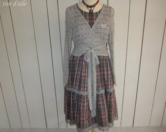 Drop for this Plaid pinafore dress red and grey Plaid and lace, romantic