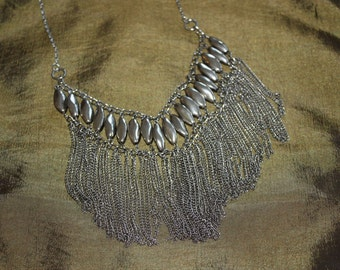 Simple elegance in chains necklace