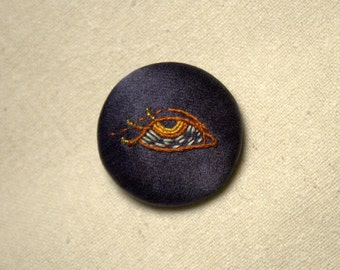 Hand Embroidered Pin/Brooch - EYE 3
