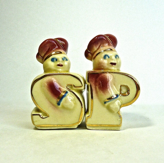 Salt and Pepper Shakers ~ CHEF SALT & PEPPER ~ 1940s Vintage Collectibles ~ Doughboy Salt and Pepper ~ Collectible Salt and Pepper ~ Decor