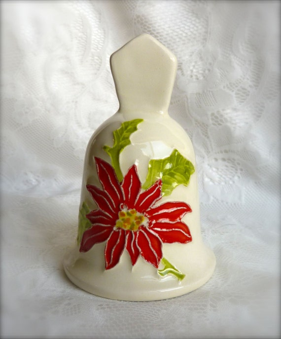 Price Reduction ~ CHRISTMAS CERAMIC BELL ~ Hand Made in Hawaii ~ Hand Painted ~ Mele Kalikimaka, Merry Christmas ~ Vintage ~ 1970'S