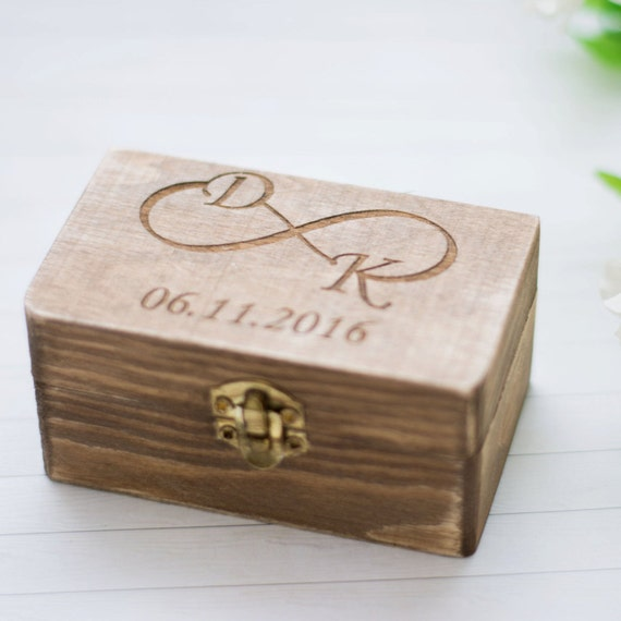 wedding ring box rustic wedding ring holder personalized. Black Bedroom Furniture Sets. Home Design Ideas