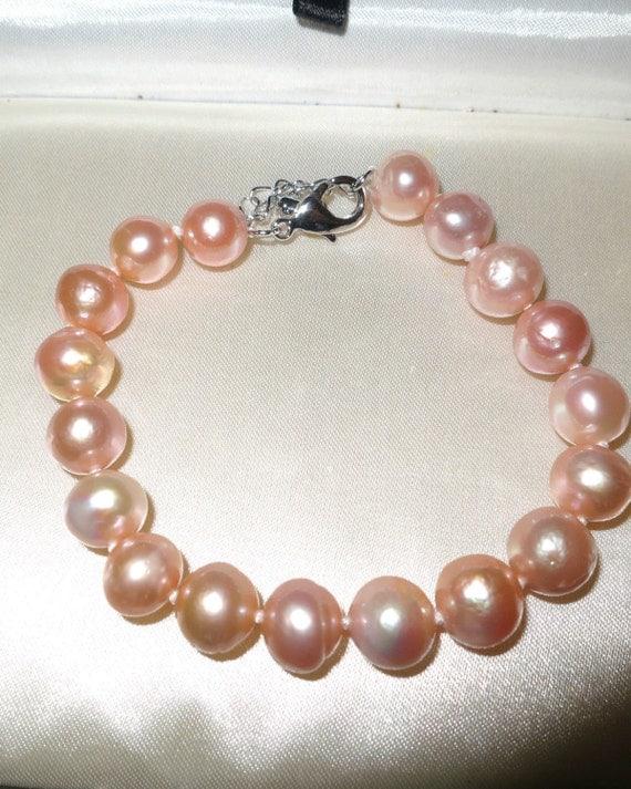 Lovely new handmade genuine pink  high lustre Kasumi pearl bracelet