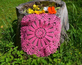 Crochet doily / Lace / Pink / 13 inches (34 cm)
