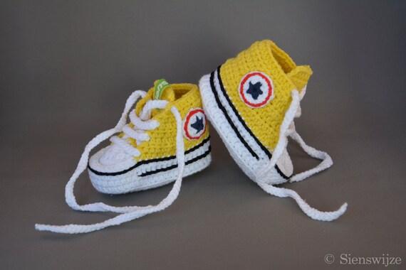 converse amarillas bebe