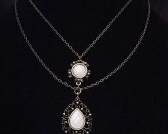 Vintage layered necklace // Victorian necklace // vintage necklace